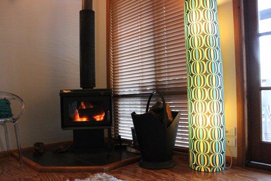 Eumarella Shores Noosa Lake Retreat: Enjoyed the fireplace