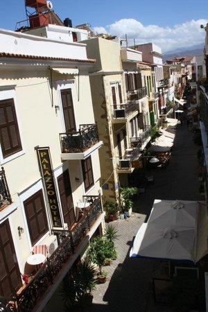 Casa Veneta: The view of Theotokopoulou street
