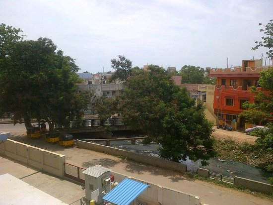 Ginger Pondicherry Hotel: Canal View from room