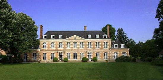 Château de la Giraudière: Château XVIIIè à 1h30 de Paris, 20 minutes de Chambord.