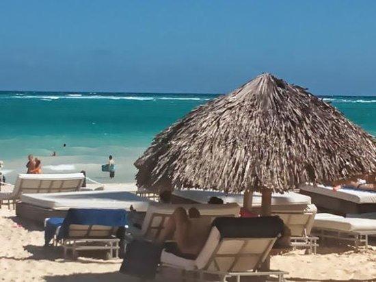 Bavaro Princess All Suites Resort, Spa & Casino: vista de la playa desde el platinum