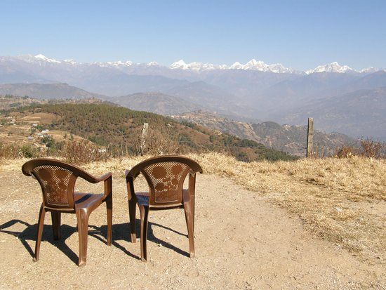 Nagarkot Farmhouse Resort: Valley rim walk
