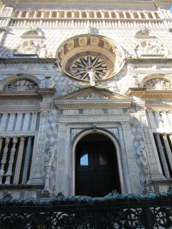Cappella Colleoni: Facciata