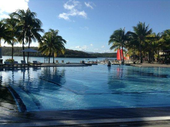 Shandrani Beachcomber Resort & Spa: Infinity pool