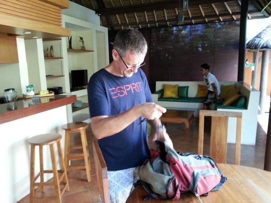 Bali Alizee Villas : Espace de vie : cuisine, salle à manger, salon