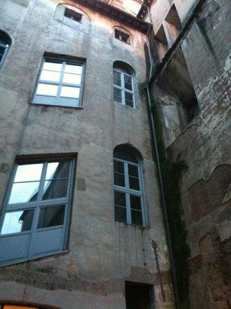 Domus Sessoriana Hotel : Внутренний двор