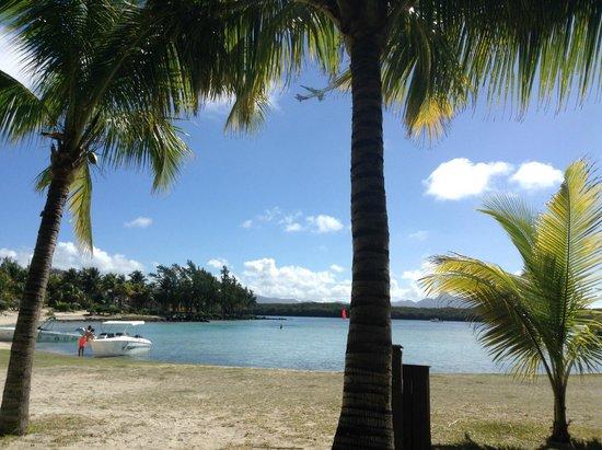 Shandrani Beachcomber Resort & Spa: beach with watersports