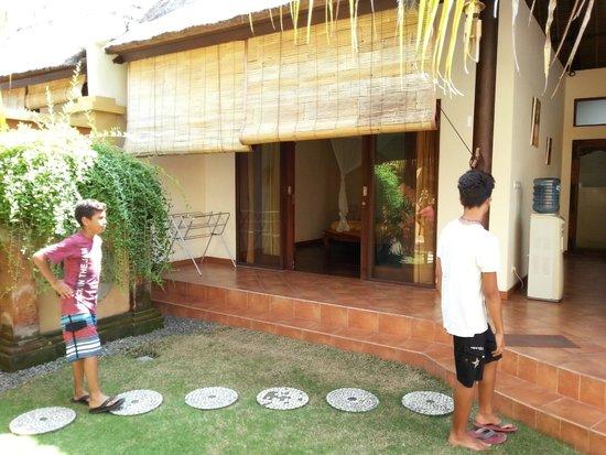 Bali Alizee Villas : Entrée d'une des 2 chambres de la villa