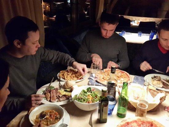 Albergo Savoia: Ужин в ресторане