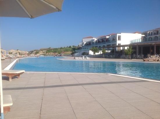 The Kresten Royal Villas & Spa : The Porti di Mare pool and bar.