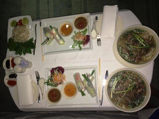 Hotel Nikko Saigon: Room Service