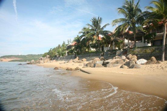 Son Tra Resort & Spa: Пляж