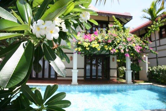 Son Tra Resort & Spa: Вид на виллу