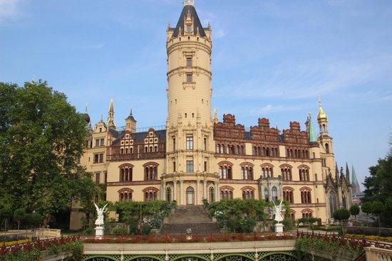 Schwerin Castle (Schweriner Schloss): Schloss von der wasserseite