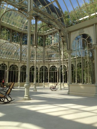 Palacio De Cristal: Sitting on one of the chairs