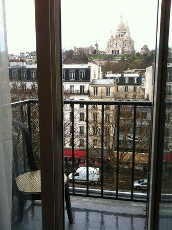 Avenir Hotel: Вид из номера
