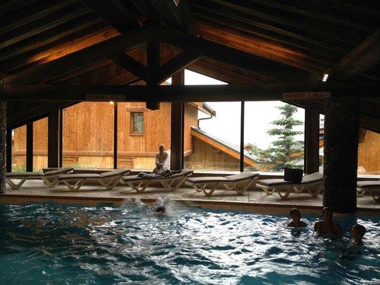 Pierre & Vacances Premium Residence Les Alpages de Reberty: la piscine