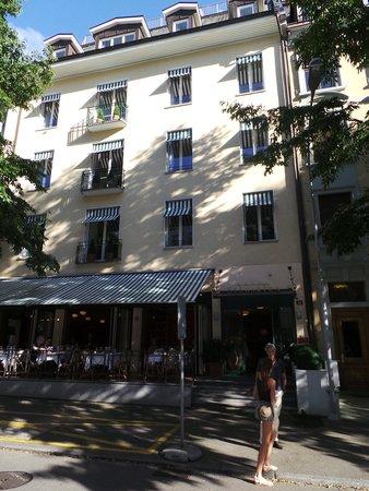 Hotel Seegarten: Außenansicht Seitenstraße