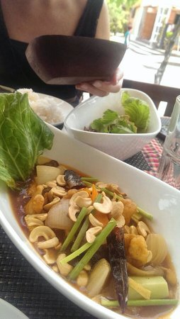 Phensiri Thai Restaurant: Gai pad king