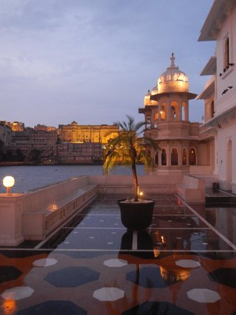 Taj Lake Palace Udaipur: sunset