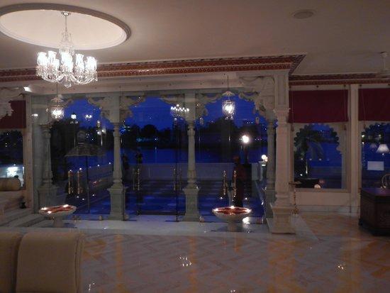 Taj Lake Palace Udaipur: lobby