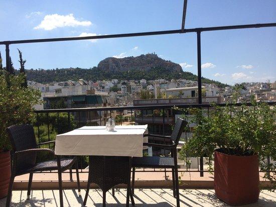 Dryades Hotel : Terrasse petit déjeuner