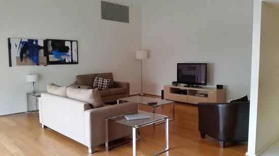 Mantra Aqua: Lounge room