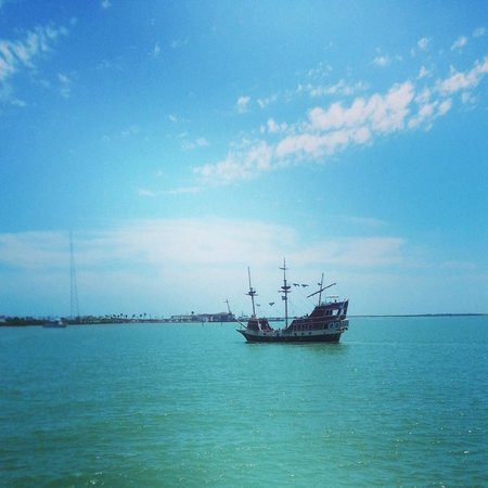 Pearl South Padre: Pirate ship!  Arrrrgggg!