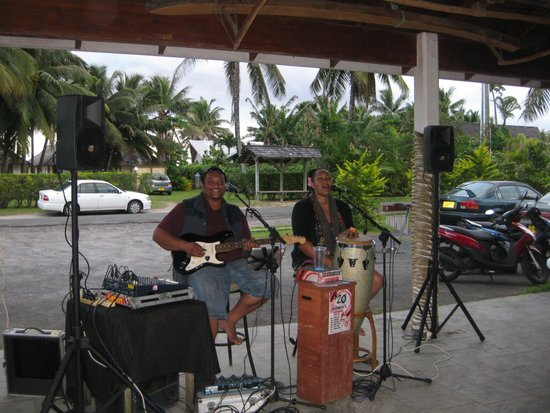 Palm Grove : Great music during Happy Hour