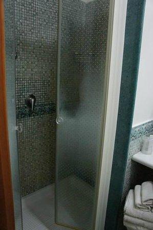 Hotel del Corso : Shower