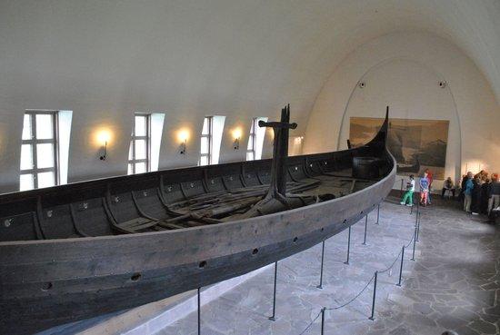 Wikingerschiffsmuseum: Корабли викингов, которым больше 1000 лет