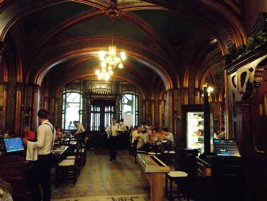 Caru' cu Bere : The interior 2