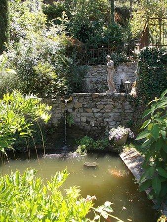 Une des statues dans le jardin d'Eden - Picture of Le ...