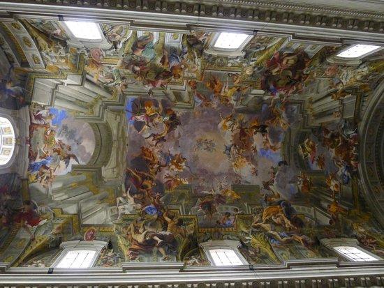 Chiesa di Sant'Ignazio di Loyola: 透視法的頂畫