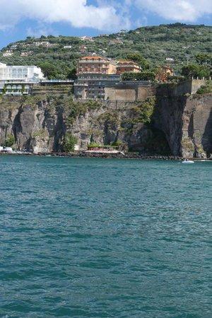 Grand Hotel Ambasciatori: View of hotel from ferry