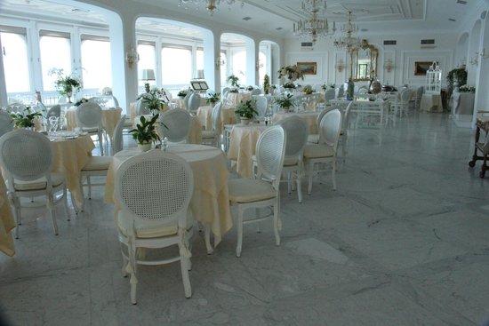 Grand Hotel Ambasciatori: dining room,stunning