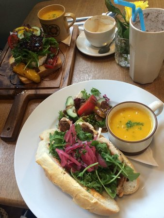 The Hideaway Cafe: lovely lunch!