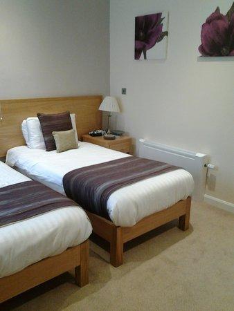 Rutland Arms Hotel Bakewell: Twin beds,fresh linen