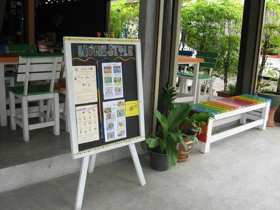 Homestyle Hua Hin: colorful long bench
