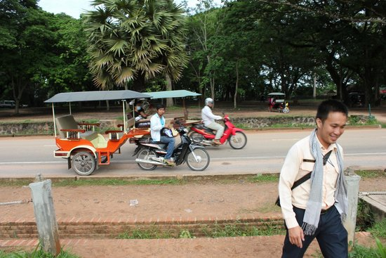 The Purple Mangosteen: Angkor Wat tour with dirver and guide