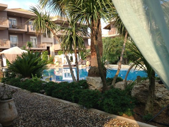 Achtis Hotel: Κήπος Πισίνα