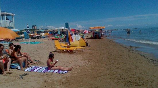 Camping Village Malibu Beach: Bagnoasciuga di fronte ai nostri lettini 2