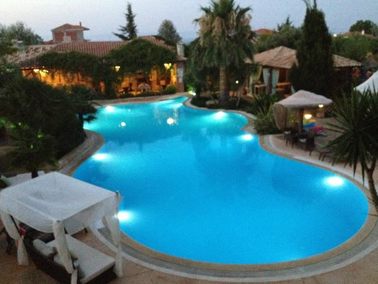 Achtis Hotel: Πισίνα
