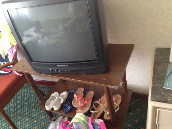 Rodos Palace : Very old Tv which didn't work!