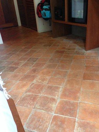 Le Sen Boutique Hotel: Flooring in room