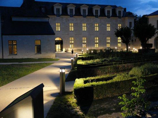 Fontevraud L'Hôtel : hôtel
