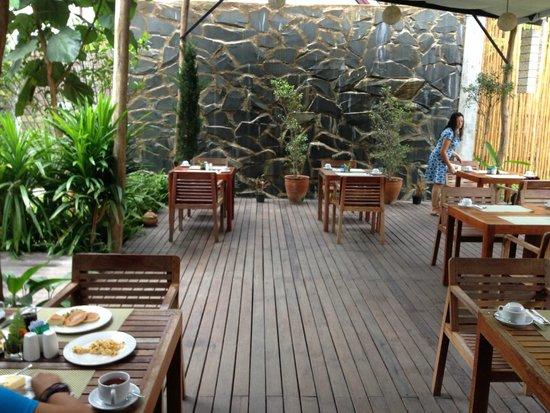 Le Sen Boutique Hotel: Dining area