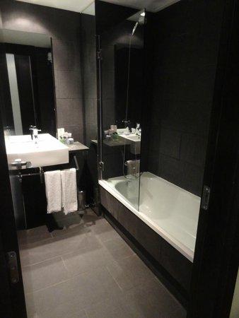 H10 Casanova : Trendy bathroom