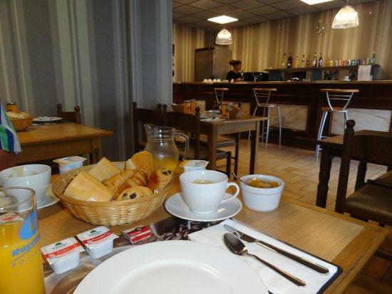 Hotel Le Rochegude : prima ontbijt voor weinig geld.