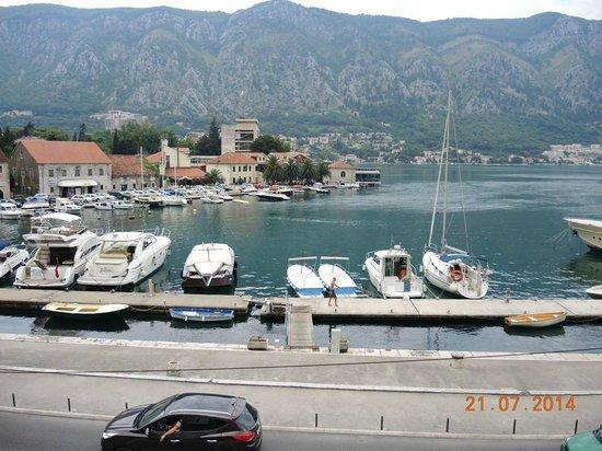 Villa Ivana: Вид с террасы на крепостной стене
